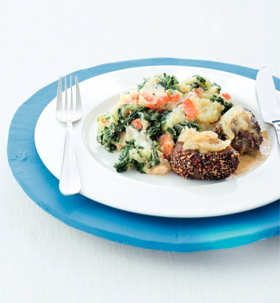 Wortel-spinaziestamppot met pepersteak