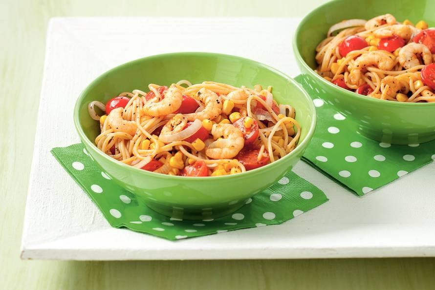 Spaghetti met kruidige garnalen en tomaatjes