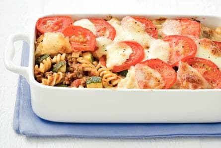 macaroni ovenschotel met gehakt en tomatensaus