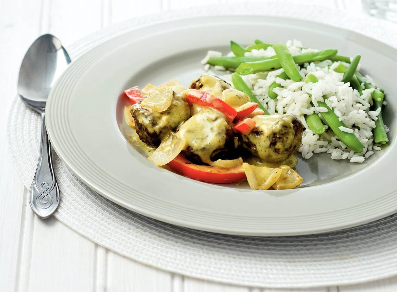 Curry van gehakt met sperziebonenrijst