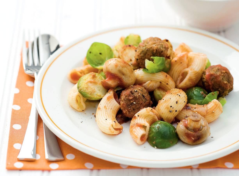 Macaroni met groenteballetjes