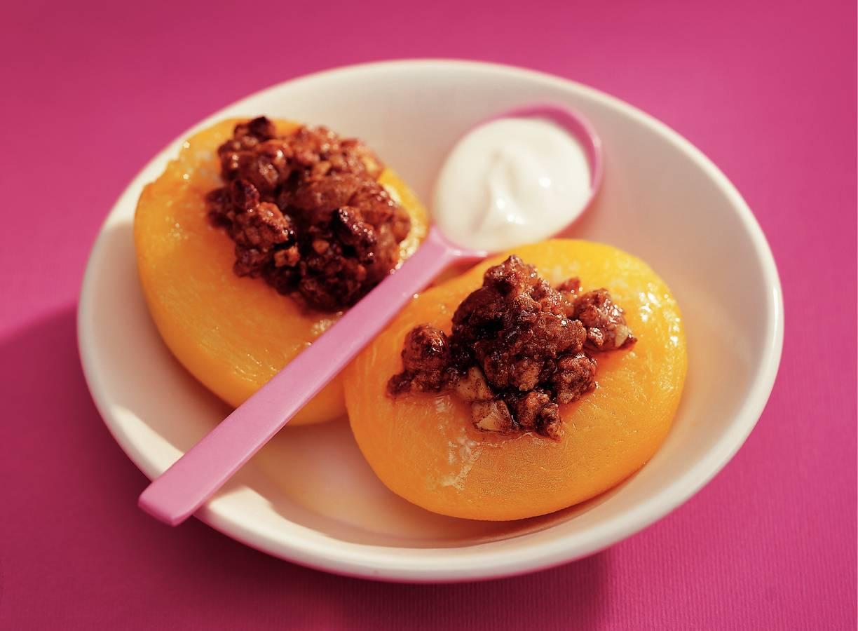Gevulde perziken met amarettikoekjes en cacao