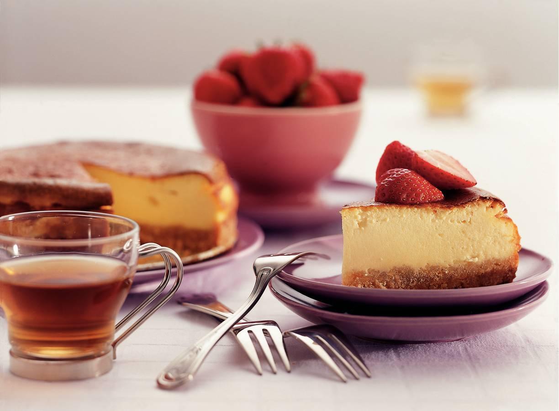 Zalig zoete cheesecake met gemarineerde aardbeien