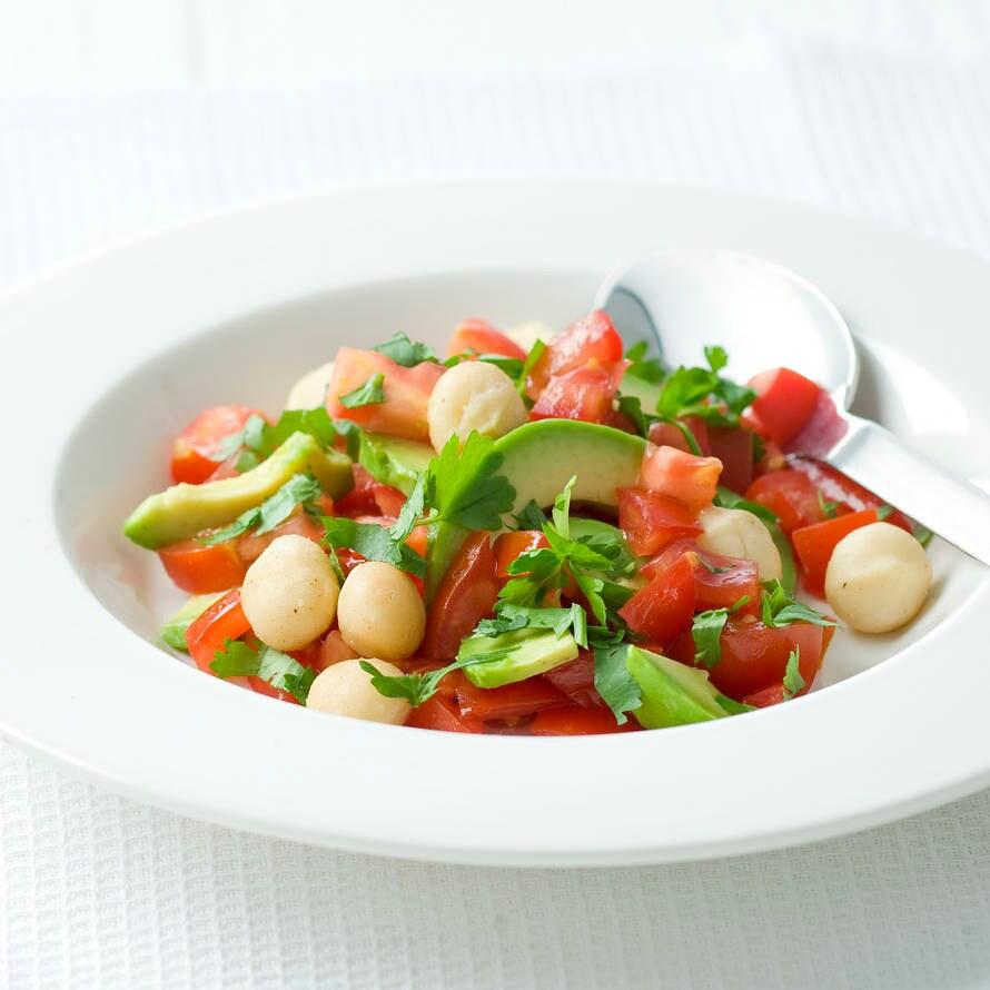 Avocadosalade met macadamianoten