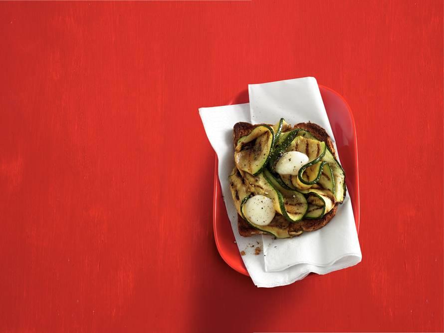 Bruschetta met gegrilde courgette