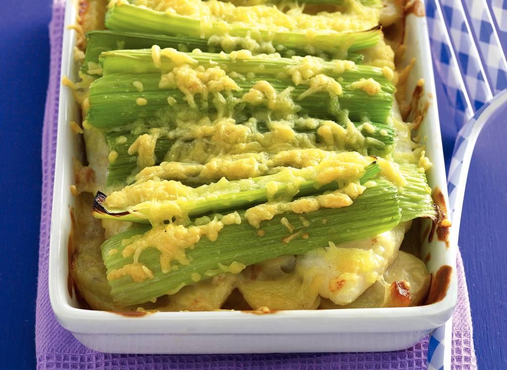 Visgratin met pangasiusfilet onder bleekselderij en kaas