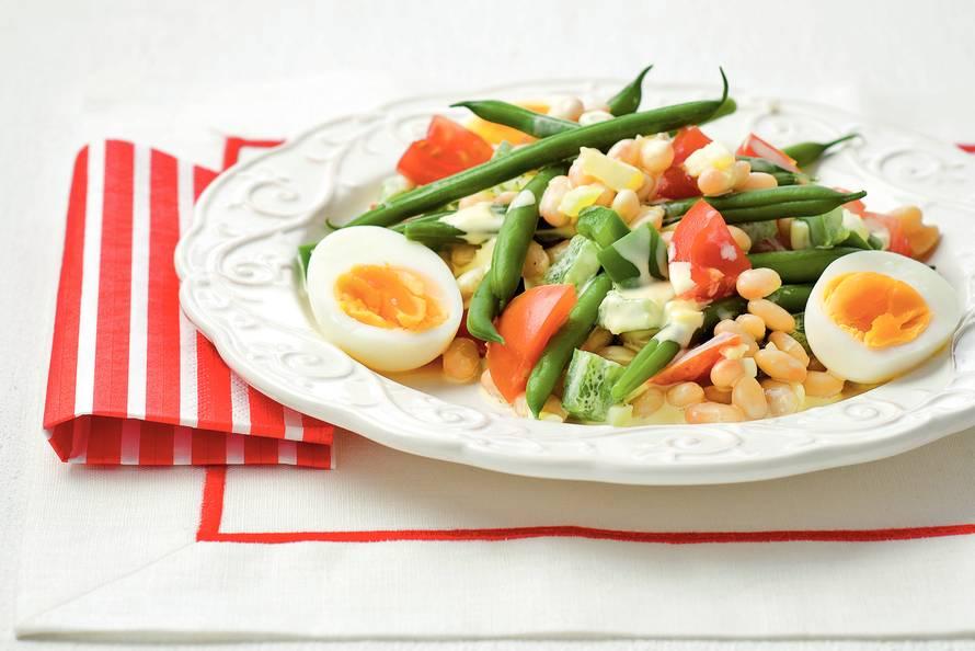 Franse maaltijdsalade met bonen en eieren