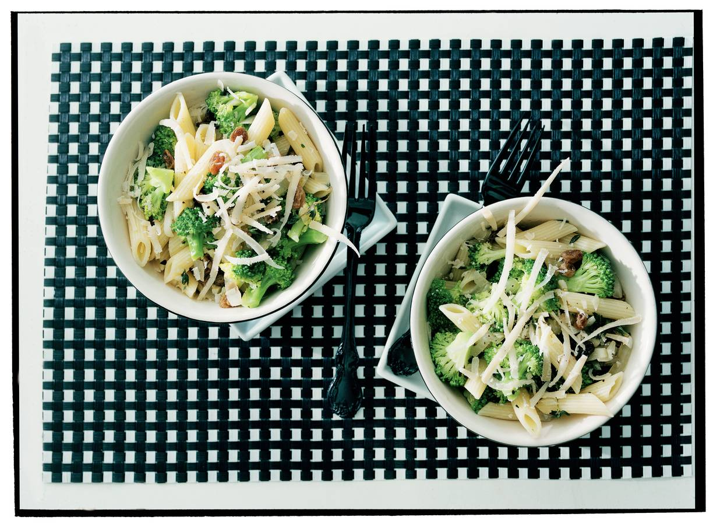 Penne met ansjovis en broccoli
