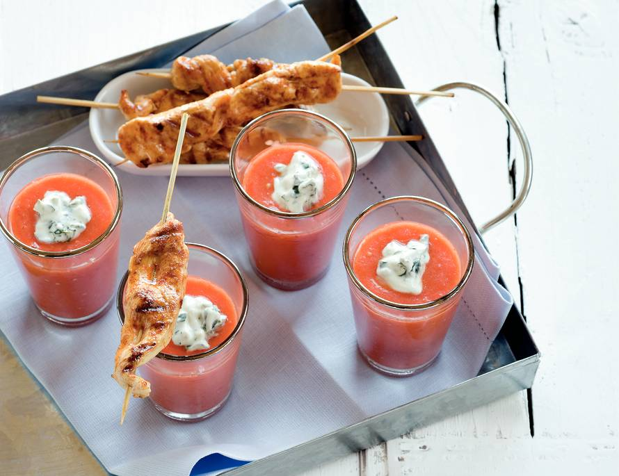 Kipspiesjes met gazpacho