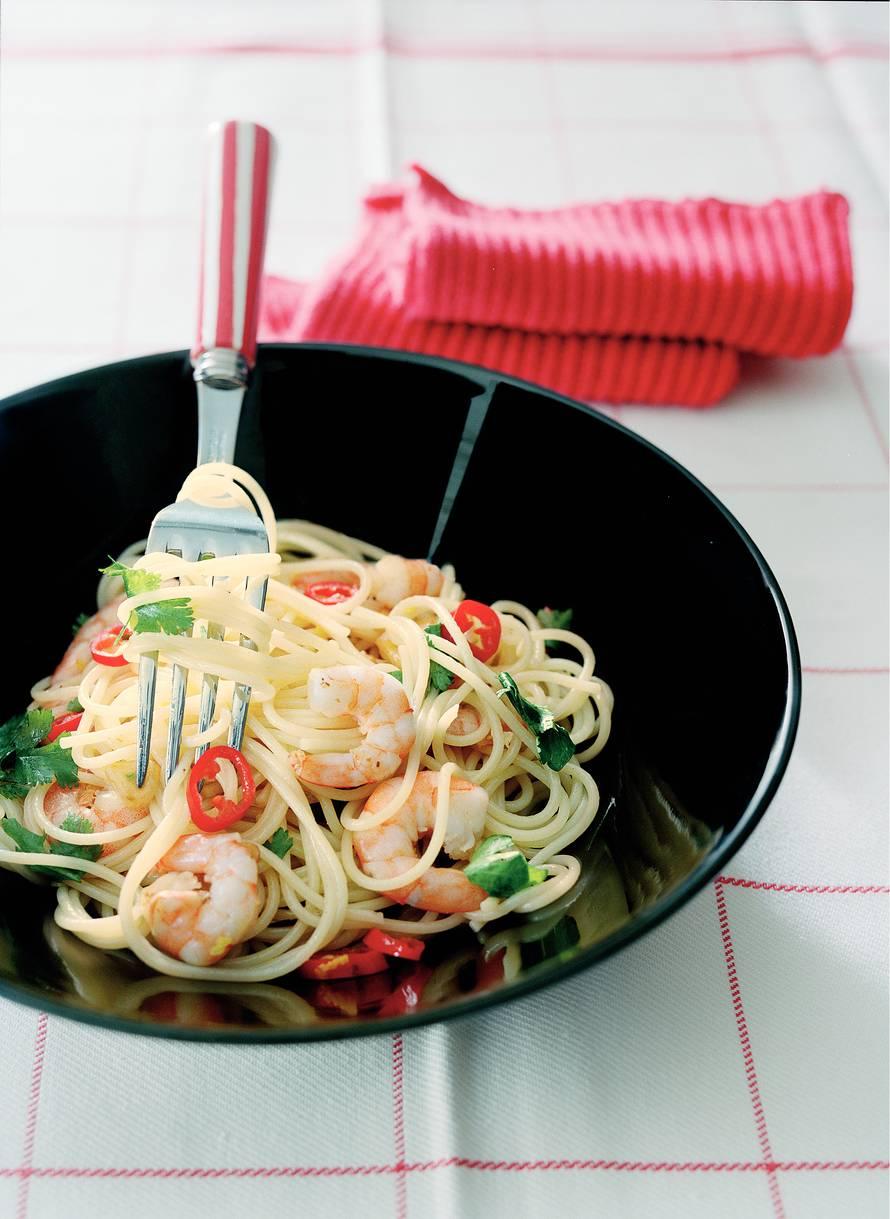 Spaghettini met garnalen en peper