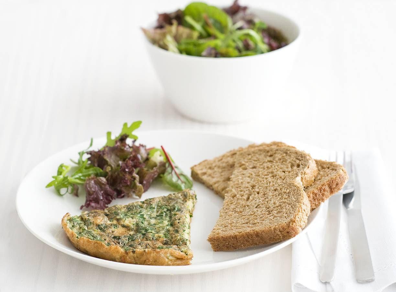 Omelet met groene kruiden