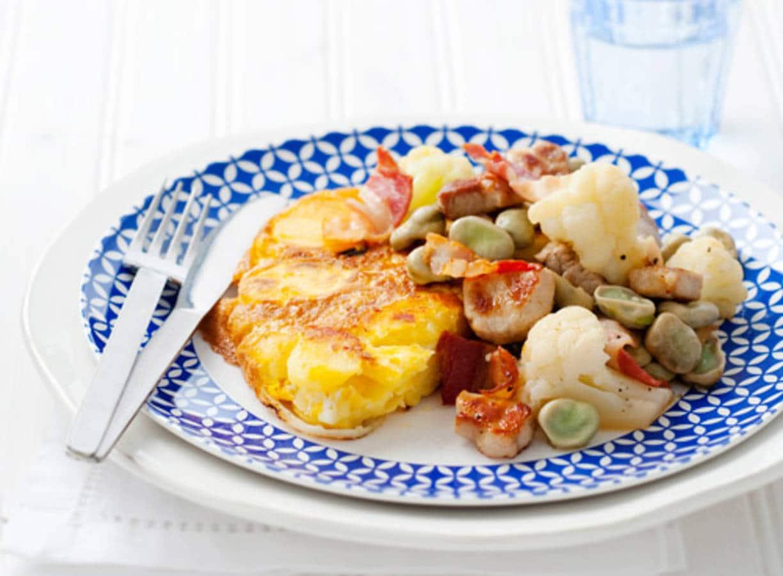 Tortilla met geroerbakte karbonade en bloemkool