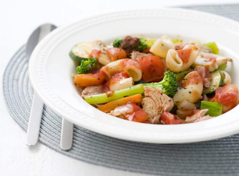 Groentemacaroni met tonijn