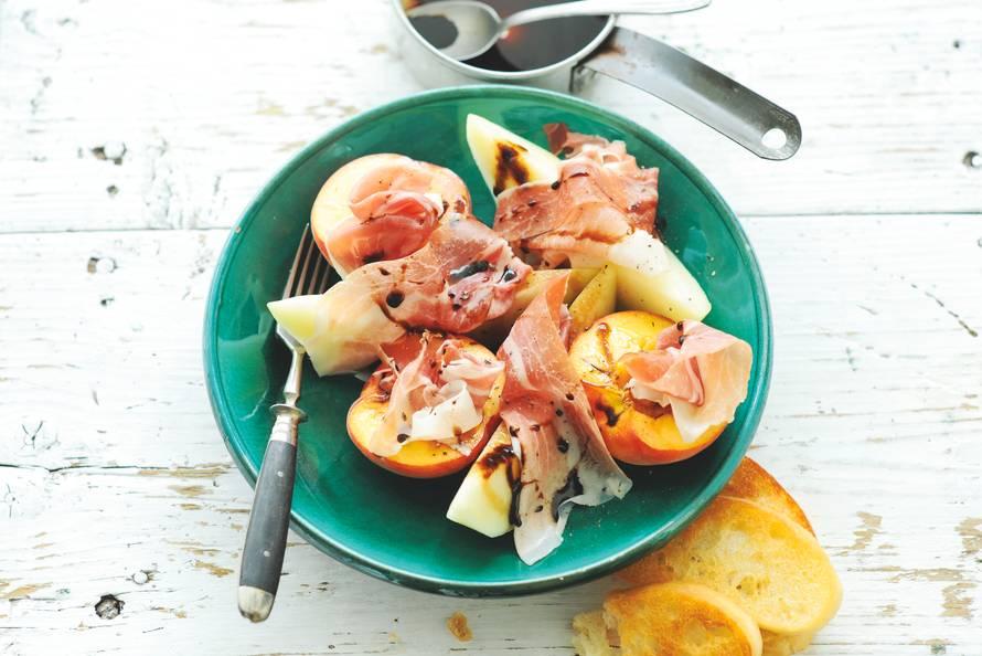Parmaham met meloen en perzik