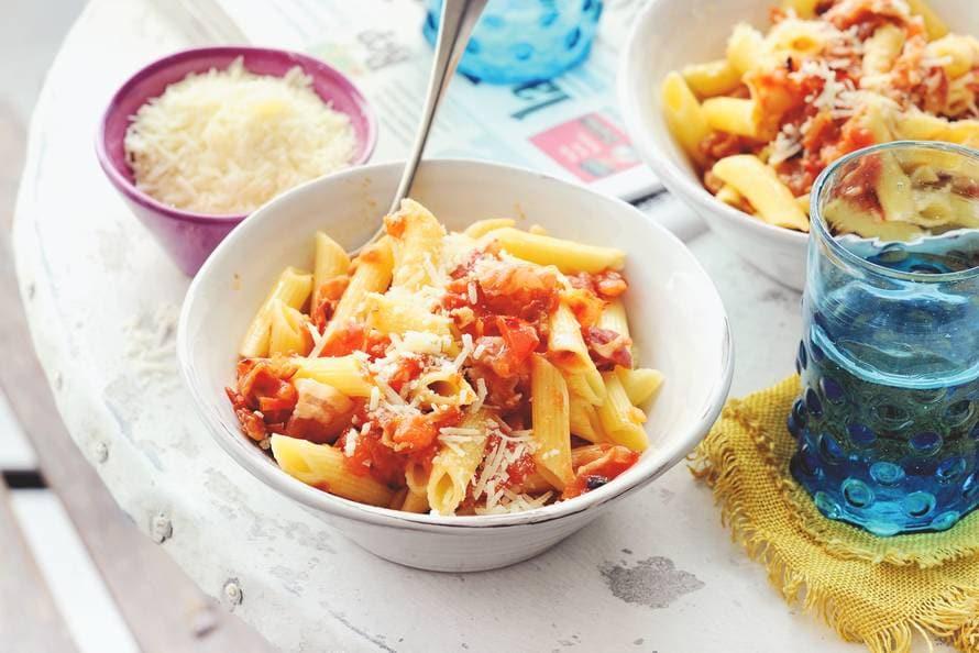 Pasta met tomaat en pancetta