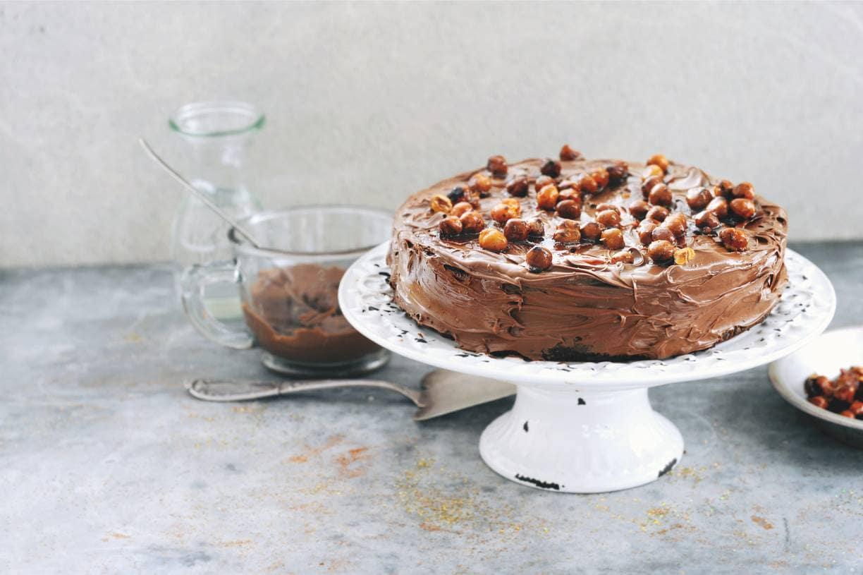 Chocoladetaart met gekaramelliseerde hazelnoten