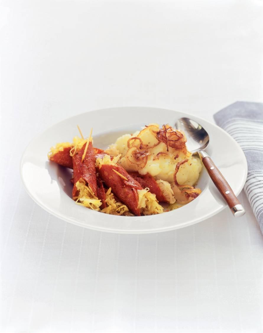 Zuurkoolrolletjes met aardappelpuree