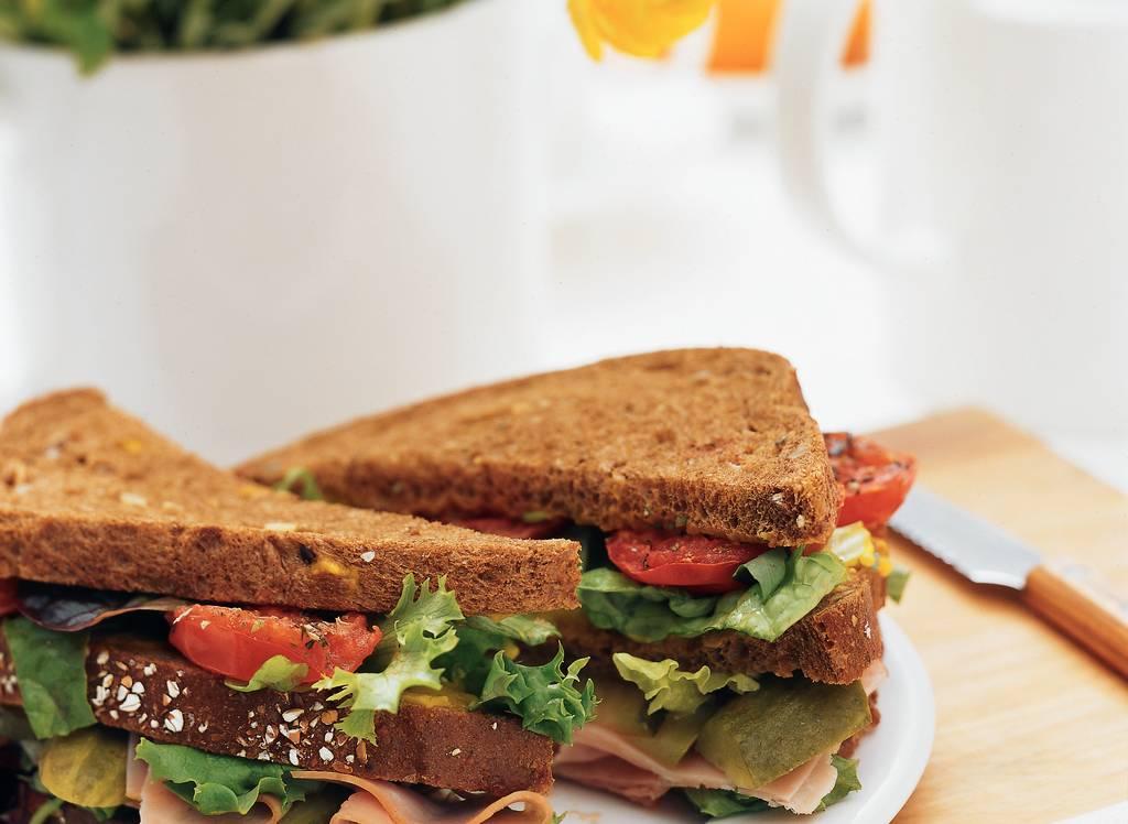 Sandwich ham met geroosterde tomaat - Albert Heijn
