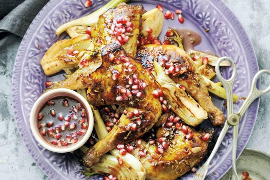 Parelhoen met venkel en granaatappelsaus