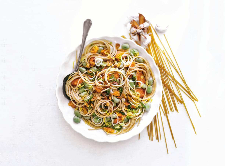 Spaghetti met tuinbonen en zalm