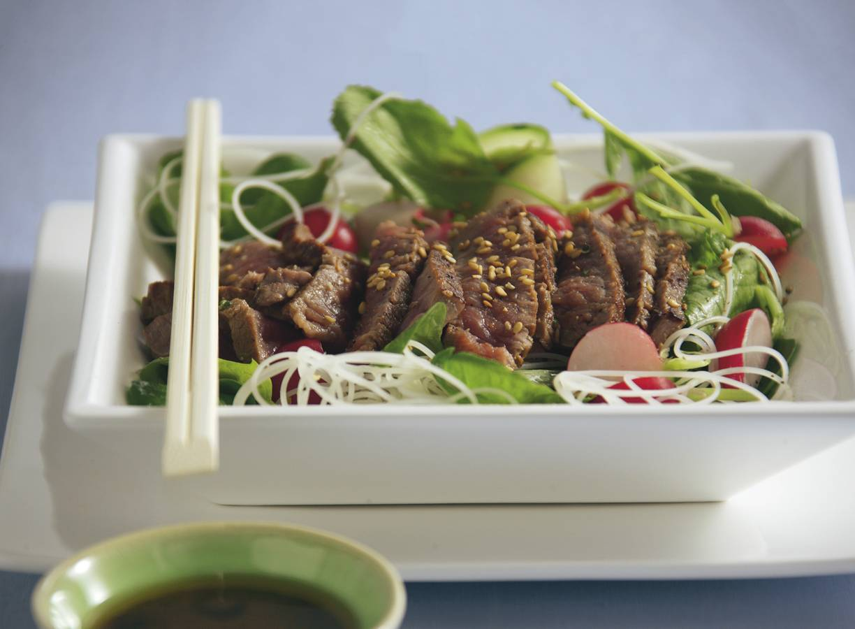 Japanse biefstukmaaltijdsalade
