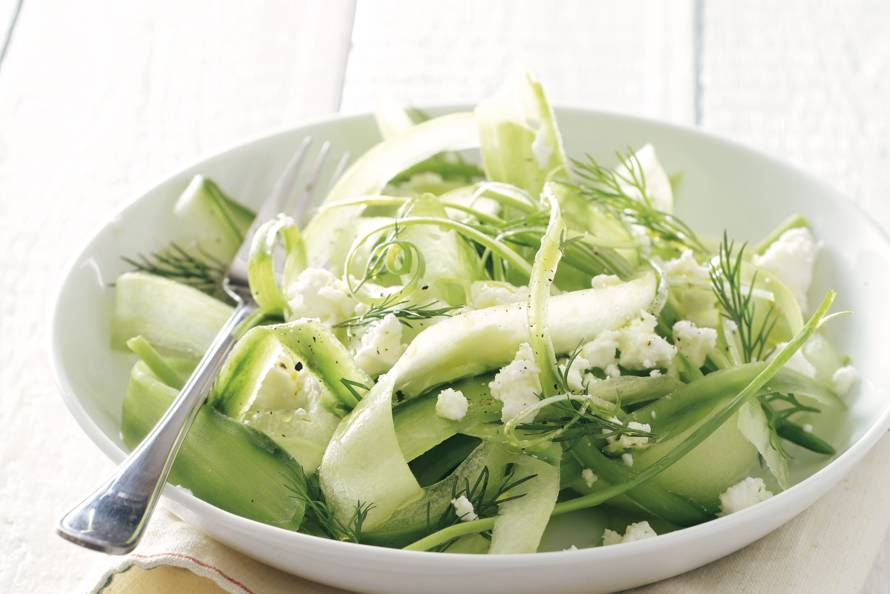 Frisse komkommersalade