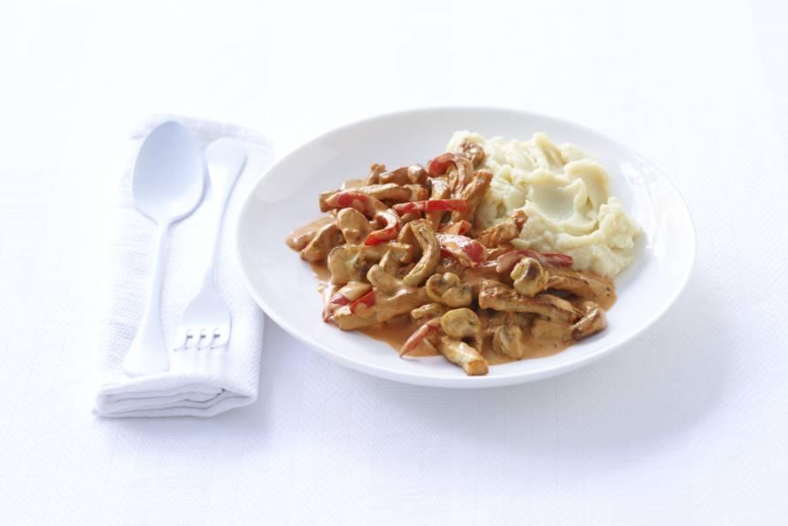 Snelle stroganoff met aardappelpuree