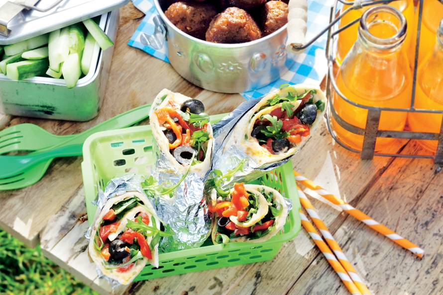 Vegan wraps met hummus en gegrilde paprika