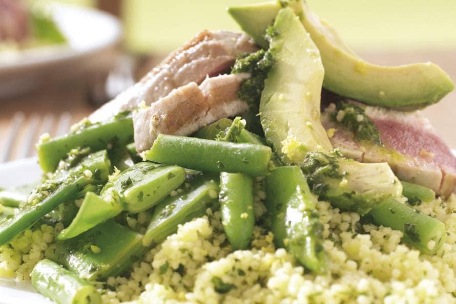 Couscoussalade met avocado en tonijn