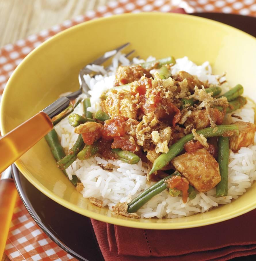Indische kip met rijst en boontjes