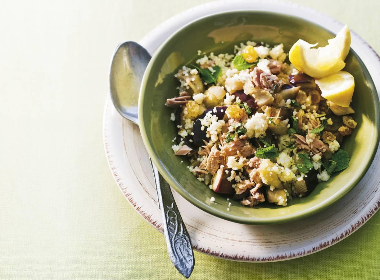 Siciliaanse couscous met aubergine en tonijn