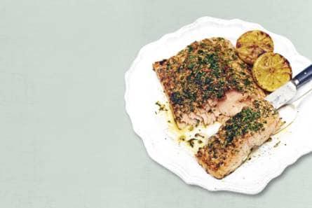 kruidige zalmfilet uit de oven - recept - allerhande - albert heijn