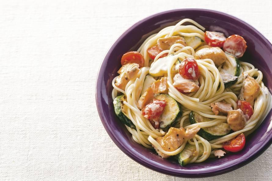 Romige spaghetti met zalmreepjes