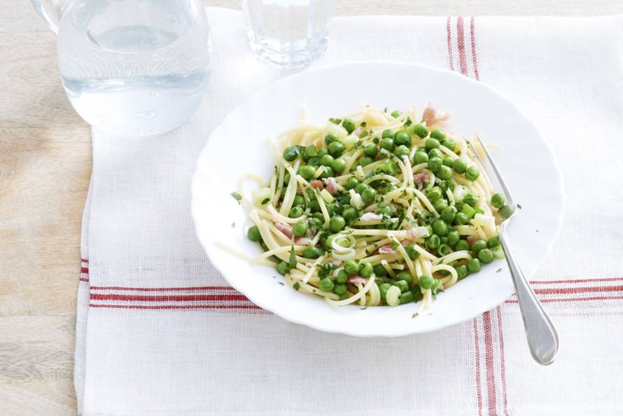 Antonio Carluccio's pasta en doperwten