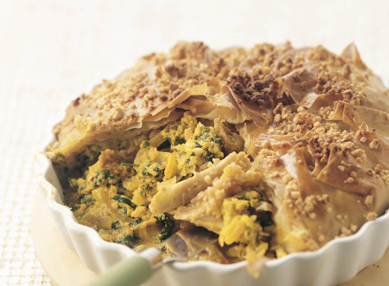 Hartige taart met kip en cashewnoten