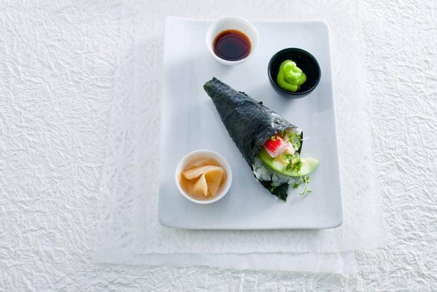 Temaki sushi (handgerolde sushi)