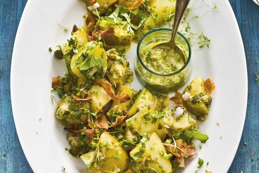 Aardappelkruidensalade met spek
