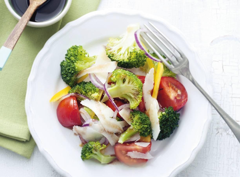 Tomatensalade met broccoli