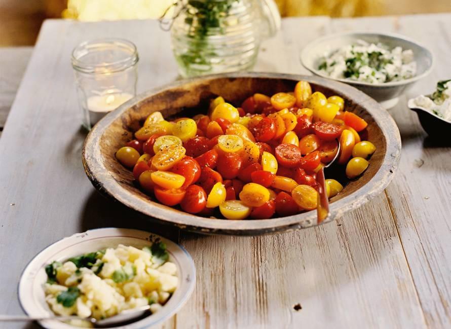 Tomatensalade met 3 kaastoppings