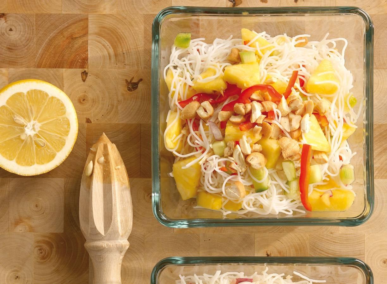 Mihoensalade met ananas en paprika