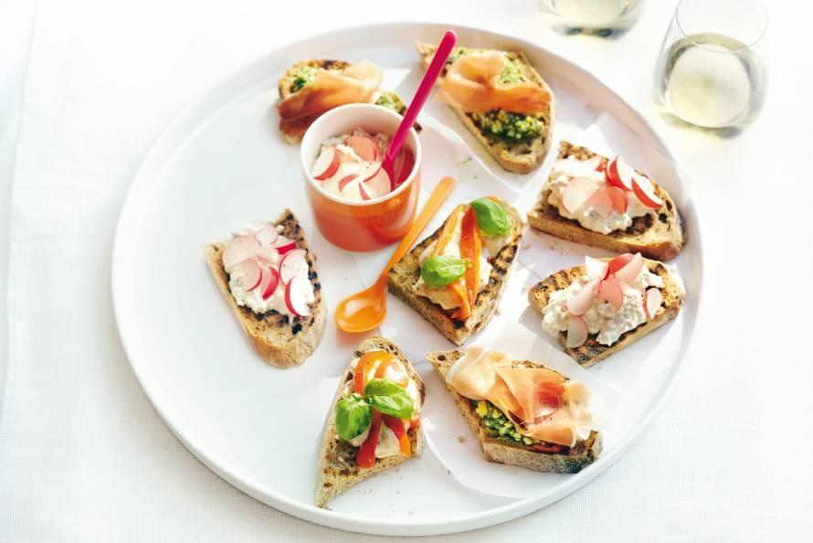 Hüttenkäse-tonijnsalade
