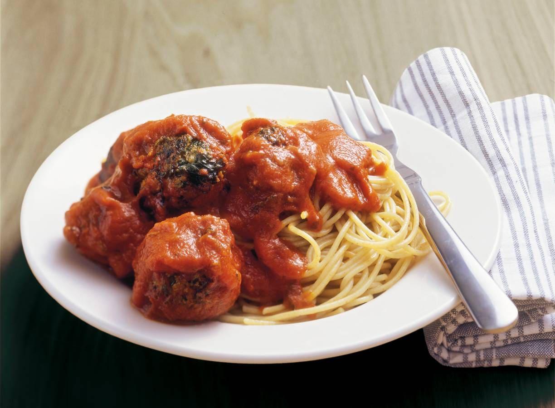 Volkorenspaghetti met spinazie-gehaktballetjes