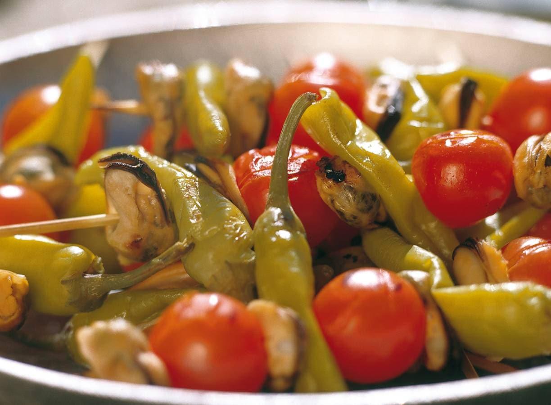 Mosselspiesjes met turkse pepers en cherrytomaatjes