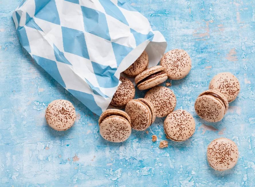 Chocolademacarons met hazelnootpasta