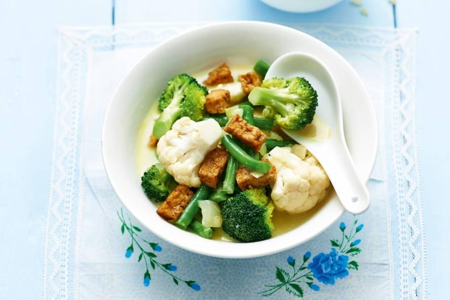 Groenten in Thaise currysaus