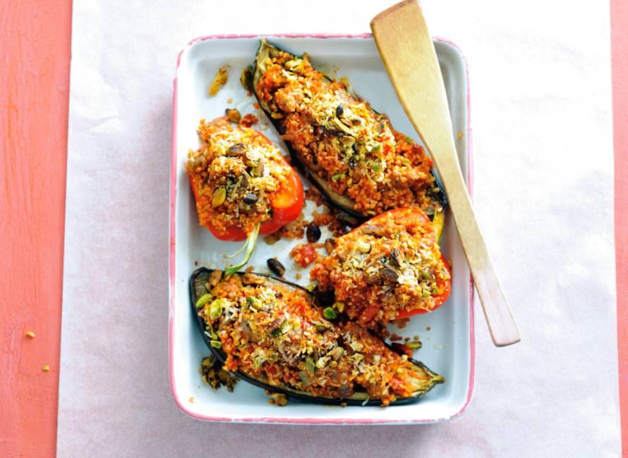 Gevulde aubergine & paprika met bulgur