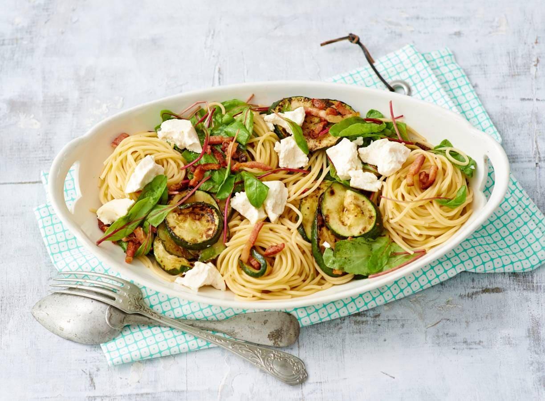 Spaghetti met snijbiet, spekjes & ricotta