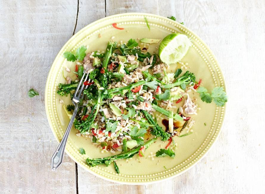Rijstsalade met tonijn en aspergebroccoli