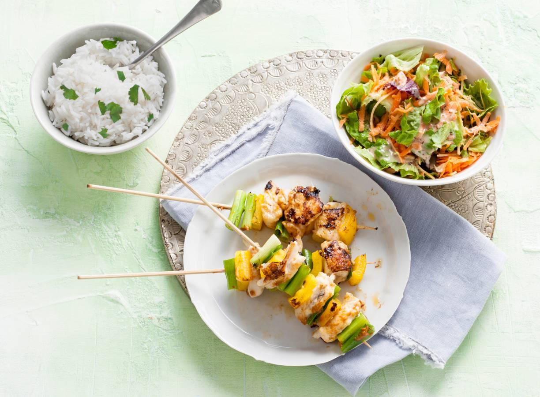 Thaise scholspiesjes met kruidige rijst en wortelsalade