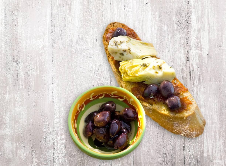 Bruschetta artisjok en olijf